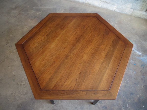 Hexagonal Game table