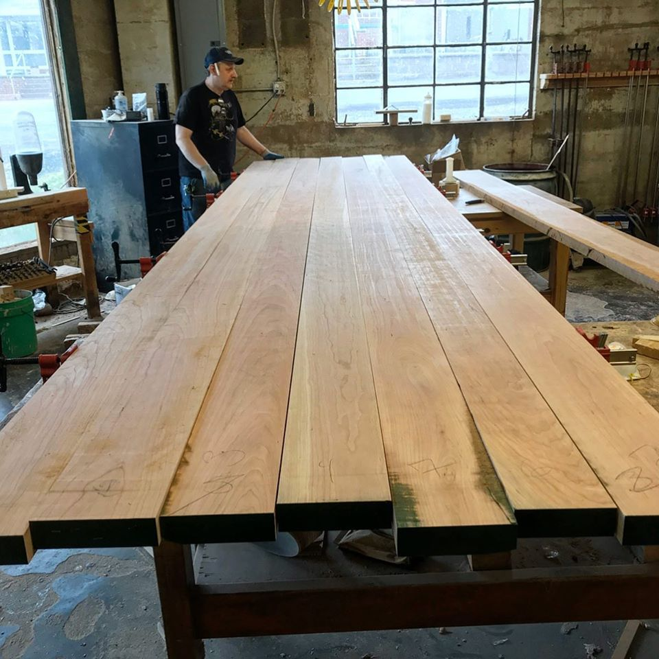 table top being assembled